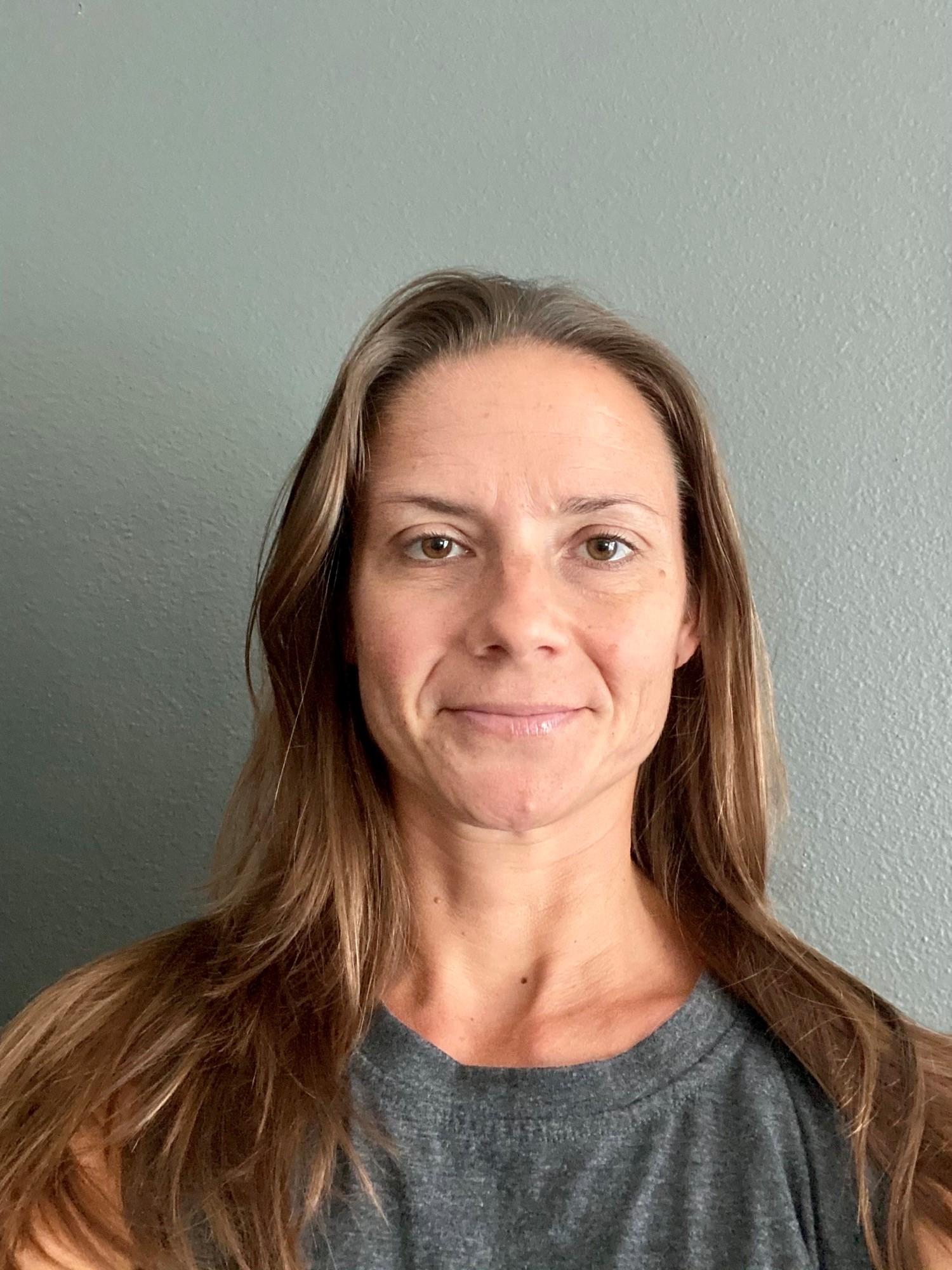 Lindsay Daniels Headshot